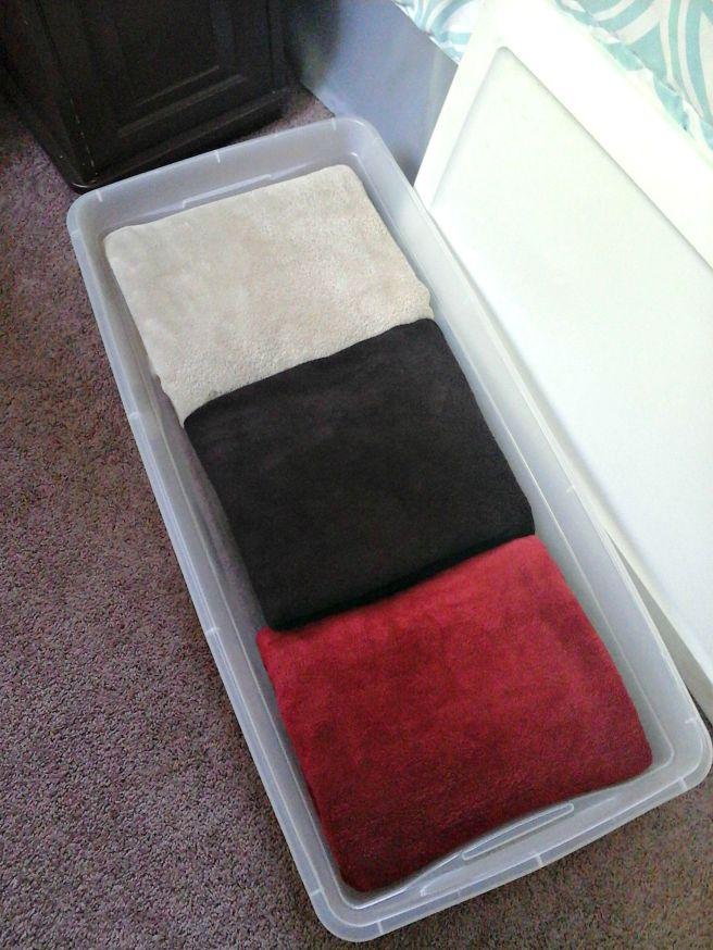 Underbed linen storage